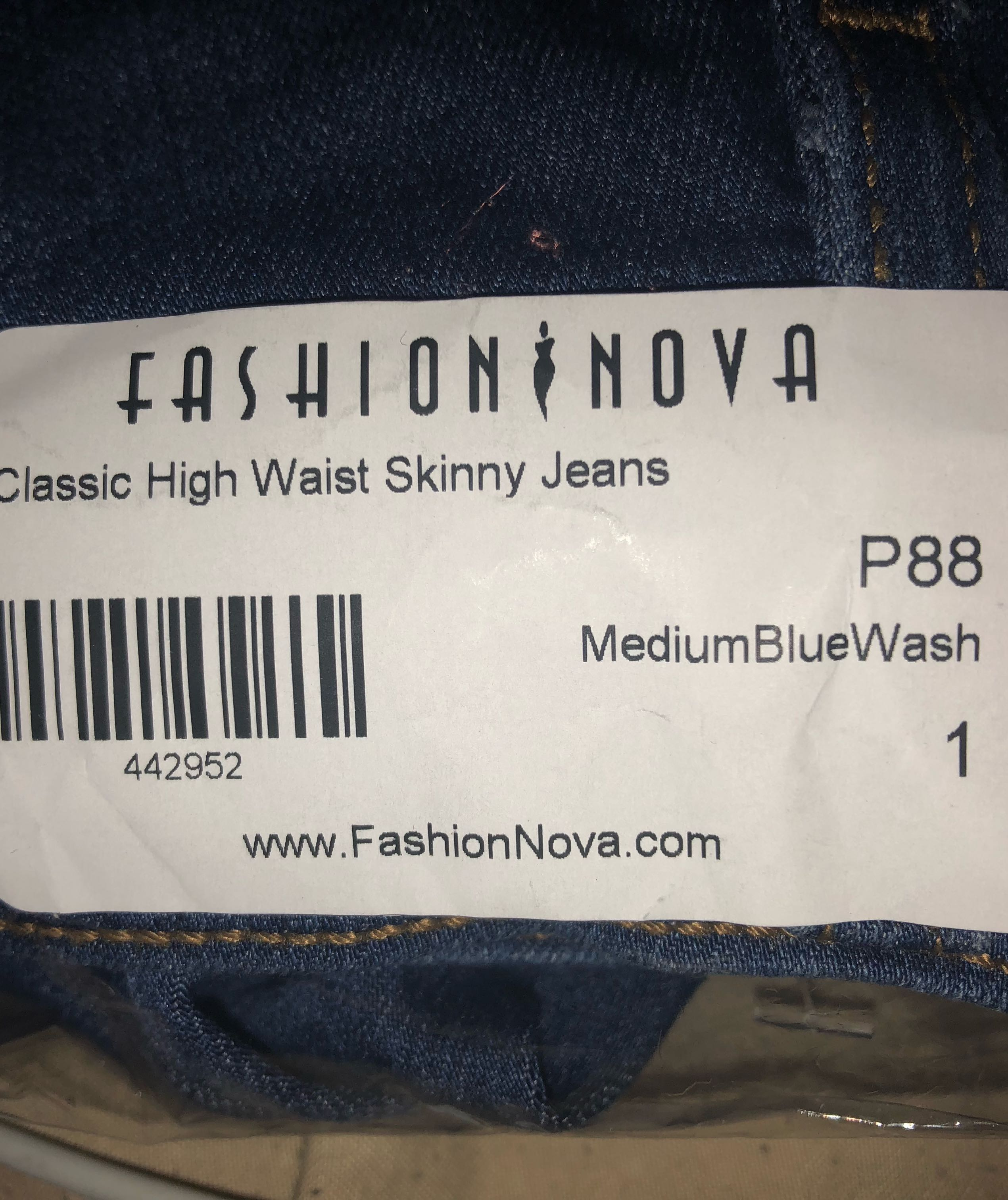 FASHION NOVA HIGH WAISTED JEANS SIZE 1