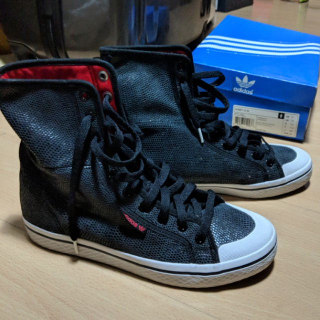 6d3bbb51244b lightly used) adidas honey hi tops womens black and red