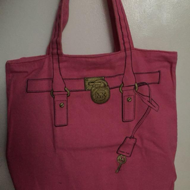 236745645af7 Michael Kors Hamilton Tote Bag, Women's Fashion, Bags & Wallets on ...