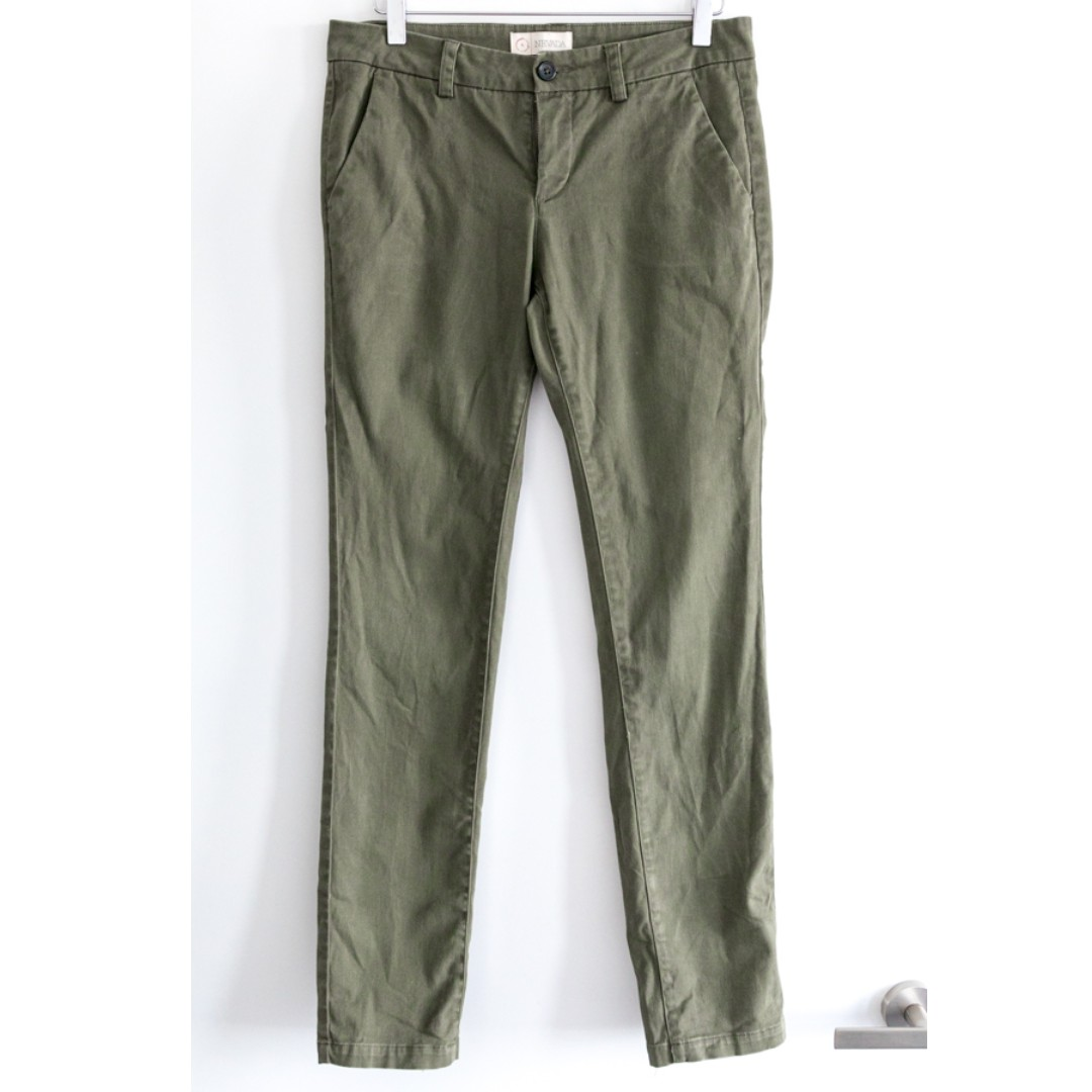 Nevada green khaki women's pants. Straight leg sz 4 s small