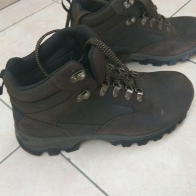 95b0ed19cecd8 Preloved Timberland Hiking Boots, Men's Fashion, Footwear, Boots on  Carousell
