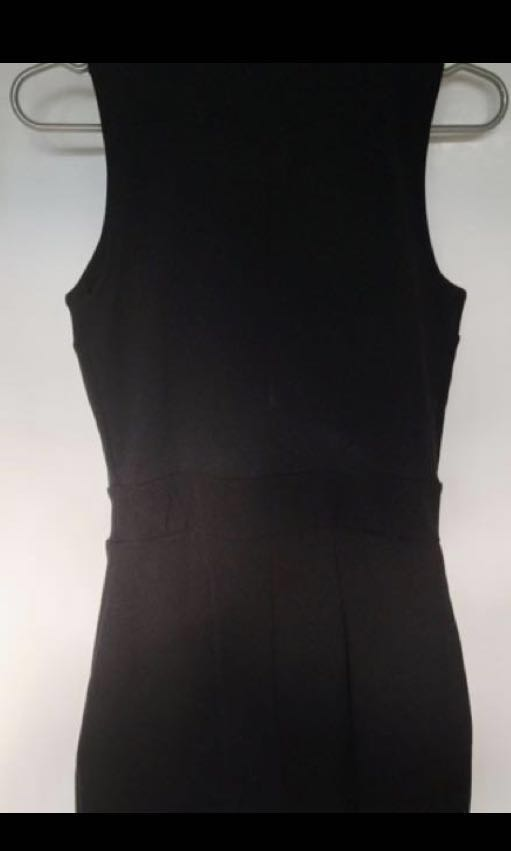 Sleeveless black play suit