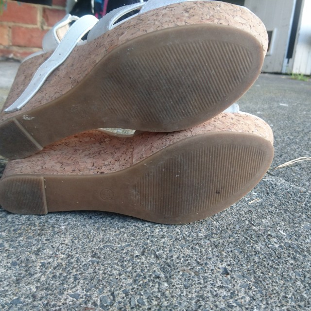 White/silver wedges size 8 NZ