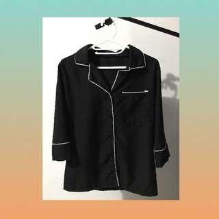 blouse hitam list lucu