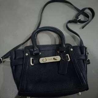 Tas slempang coach look a like kw premium / sling bag / tas hitam / small bag