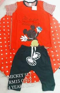 T-Shirt Set (Mickey)