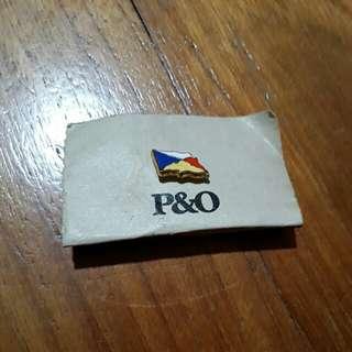 P&O Collar badge
