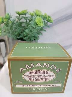 L'occitane Amanda Firming and Smoothing Almond milk