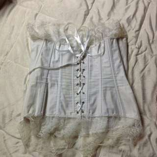 US BOUGHT WHITE LACED VINTAGE INSPIRED CORSET MEDIUM $150USD