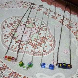 批發價自家製玻璃頸鏈  4 條