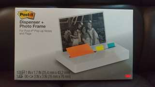 3M Post-it and Photo Display