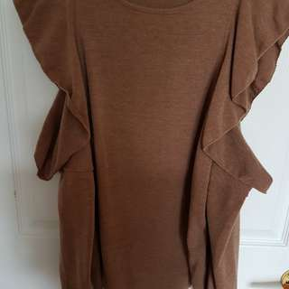 Zara Sweater with cut-out shoulders Size M