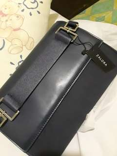Repriced!! 200 php unused hand bag