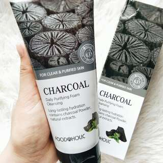 Foodaholic Charcoal Foam Cleanser 180ml