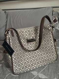 NEW Tommy Hilfiger Bag