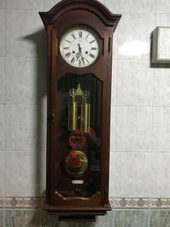 Two weights wall clock