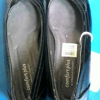 Black Shoes size 6W