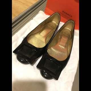 RV黑色平底鞋/娃娃鞋