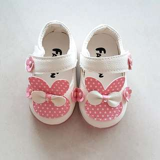 Baby Girl Shoes white rabbit