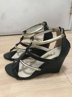 Figlia Wedge Sandal