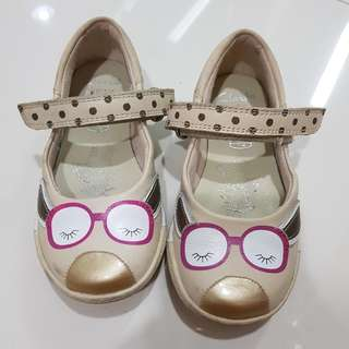 Clarks kids shoes size 7 (condition 9/10)