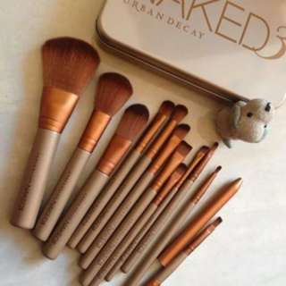 KUAS MAKE UP NAKED / NAKED BRUSH ISI 12 / KUAS NAKED ISI 12