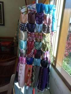 Aneka pasmina, khimar, dress, manset, deker lengan, bergo, kaos kaki wudhu, jilbab segi empat harga murmer