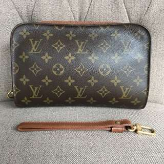 Authentic LV Monogram mens Pouch Good condition wala lagkit