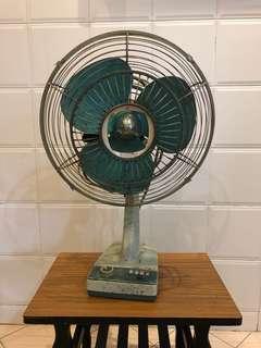 Antique old fan Kipas lama