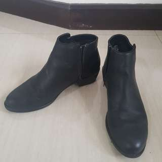 Forever 21 Black Boots Size 7.5