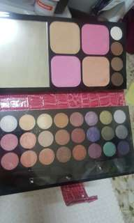 MADE IN KOREA COLOUR DEEP EYESHADOW AND FACE BLUSHER PALETTE 32 colours