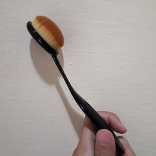 Oval Brush Make Up
