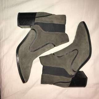 Zara Boots *PRICE DROP NEEDE GONE ASAP*