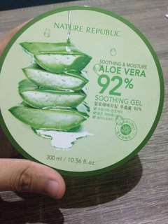 Nature Republic Shooting & Moisture aloe vera (Share in Jar)