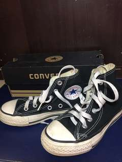185625468e62dd Converse All Star Chuck Taylor Shoes For Kids Size 11 (USA)