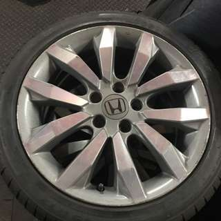 """Honda civic 17"""" tyre and wheel for sale"""