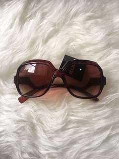 Brown square sunnies