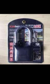 Motorcycle alarm disc padlock