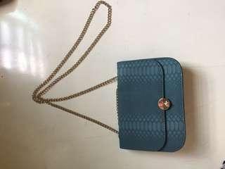 Croco sling bag