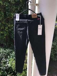 Wrangler Drew Jeans Size 8