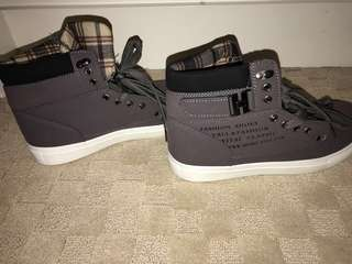 Non-branded Boots Hightops