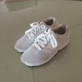 ADIDAS Fluxes White
