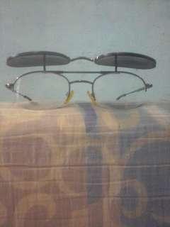 Kacamata 2 lensa flipon