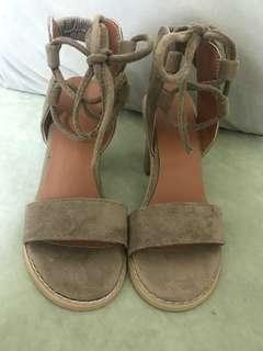 🚚 綁帶 涼鞋跟鞋 杏色裸色