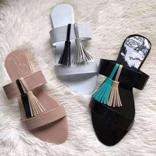 Flats sandals with tassels Item code: c1019