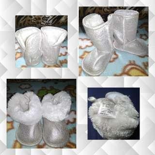 Infant H&M silver boots