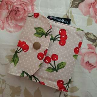 HIJAB PINS TRAVEL POUCH - CHERRY