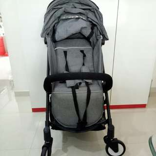 Baby throne cabin stroller