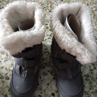 Used Winter Boots. Grey.  Size 30. Used for 1 trip.