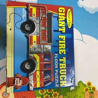 M&D floor puzzle fire truck